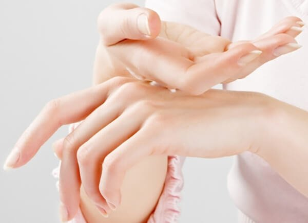 Kem Dưỡng Da Tay Swissline Cell Shock Age Cellular Recovery 3D Hand Cream