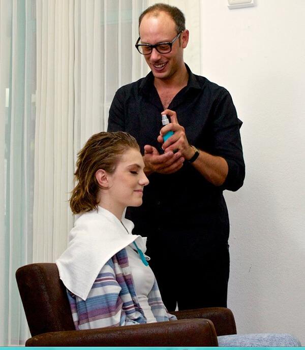 Kem Bọt Kiểm Soát Sóng Xoăn Moroccanoil Curl Control Mousse