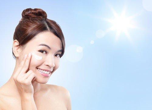 Kem chống nắng Thalgo Age Defence Sun Cream SPF30+
