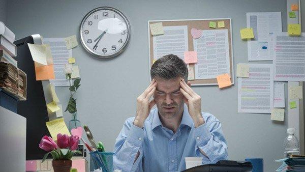 Làm việc văn phòng không chống khiến làn da lão hóa sớm
