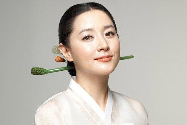 """Học hỏi """"bí kíp"""" có được làn da đẹp như phụ nữ Hàn Quốc của Thanh"""