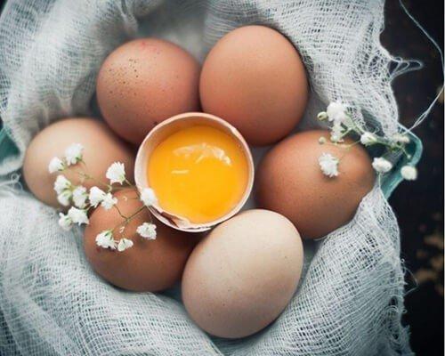 """4 """"thần chú"""" biến trứng gà thành mỹ phẩm dưỡng da siêu tốt"""