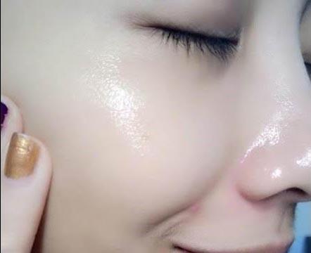 Công thức dưỡng da trắng mịn từ mặt nạ vitamin