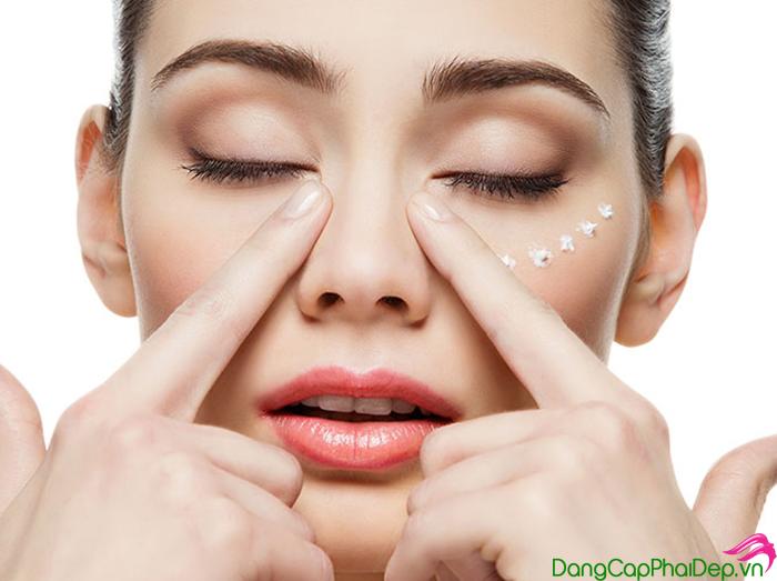 kem-lam-sang-da-vung-mat-Iluma-Intense-Brightening-Eye-Crème