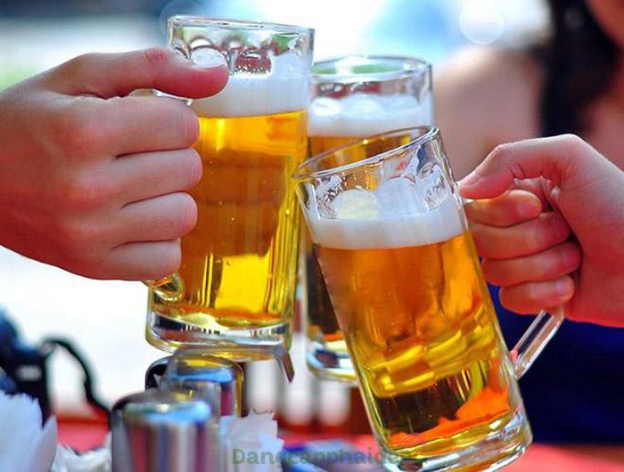 Rượu bia là một trong những nguyên nhân gây ra hiện tượng giãn mao mạch