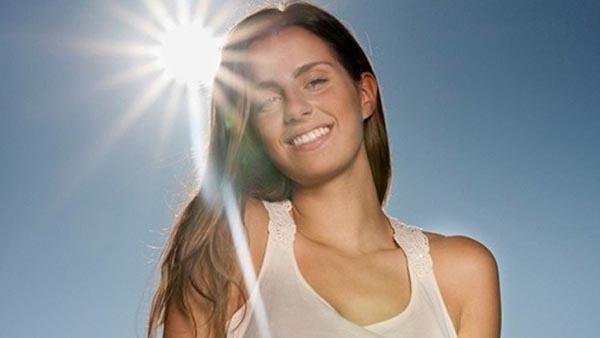 Xịt chống nắng EltaMD UV Spray Broad-Spectrum SPF 46