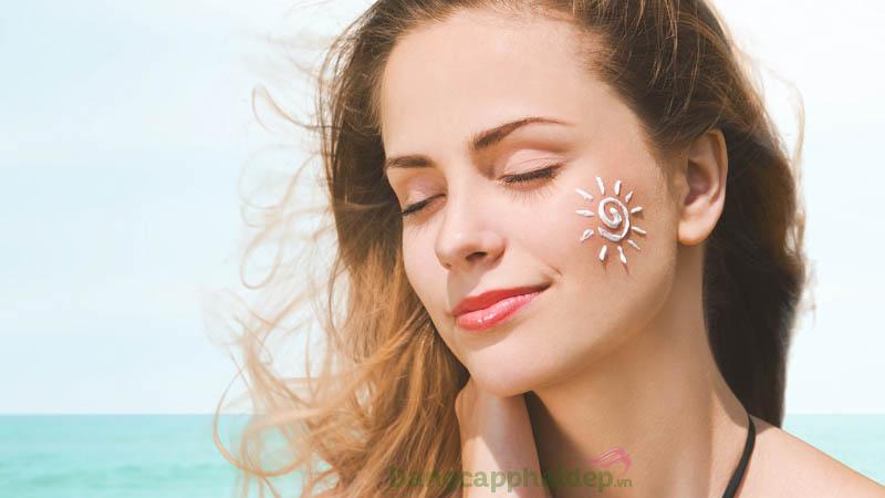 Kem chống nắng ngăn ngừa tia UV gây hại da