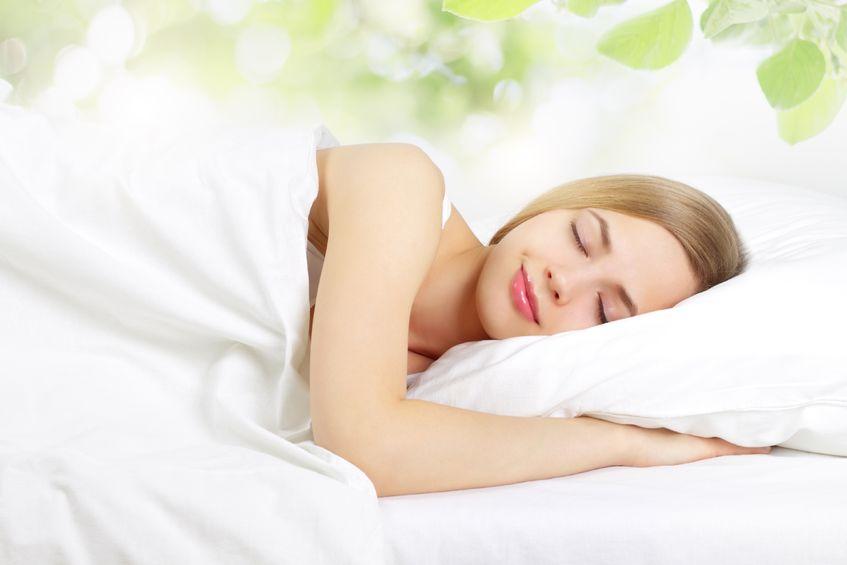 Murad Essential-C Night Moisture 50 ml - Kem dưỡng làm khỏe da ban đêm đến từ Hoa Kỳ