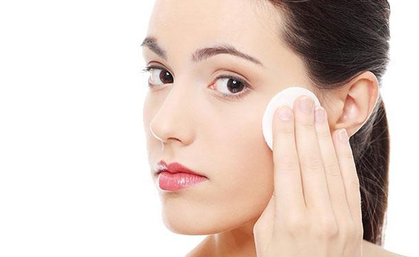 Nước hoa hồng cho da dầu mụn Toner Obagi Clenziderm MD Pore Therapy 148ml