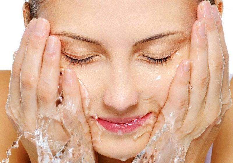 Nước rửa mặt tẩy trang Thalgo Micellar Cleansing Water 200ml – Khơi nguồn sức sống tươi mới cho làn da