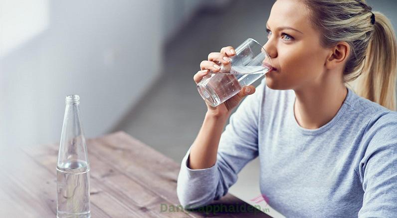 Uống collagen vào buổi sáng 30 phút trước bữa ăn; và buổi tối tước khi đi ngủ khoảng 30 phút – 1 tiếng
