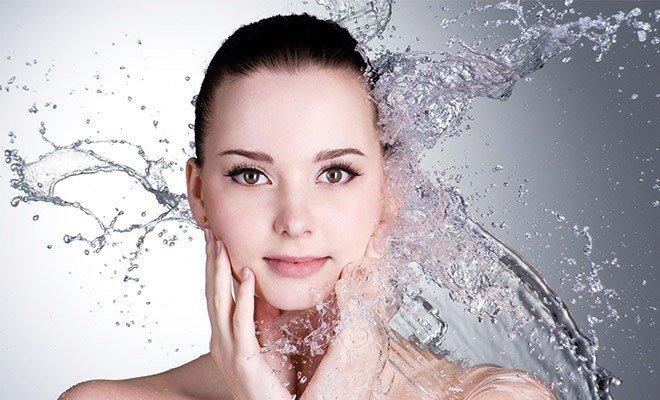Kem bọt rửa mặt trắng sáng da Carita Ideal White Crystalline Foam
