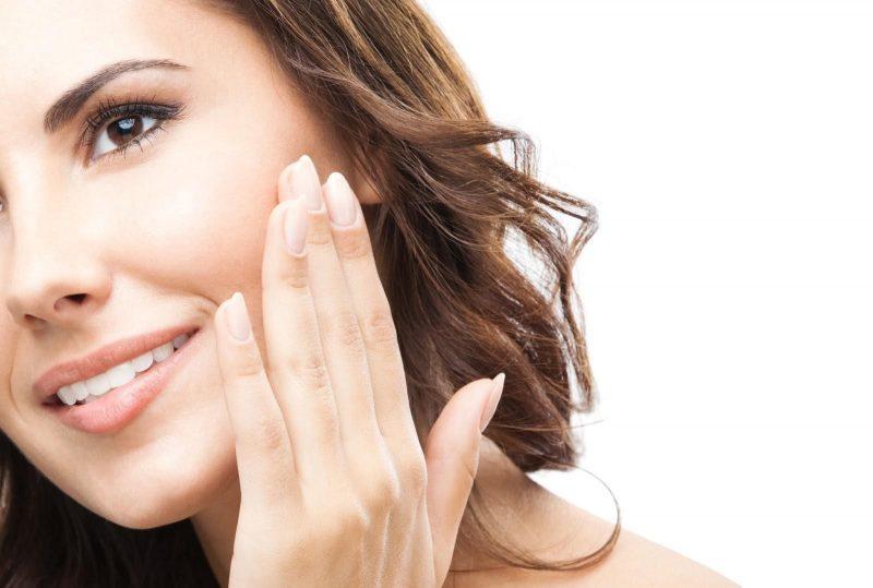 Sử dụng collagen tươi sẽ giúp làn da mịn màng, trẻ trung hơn.