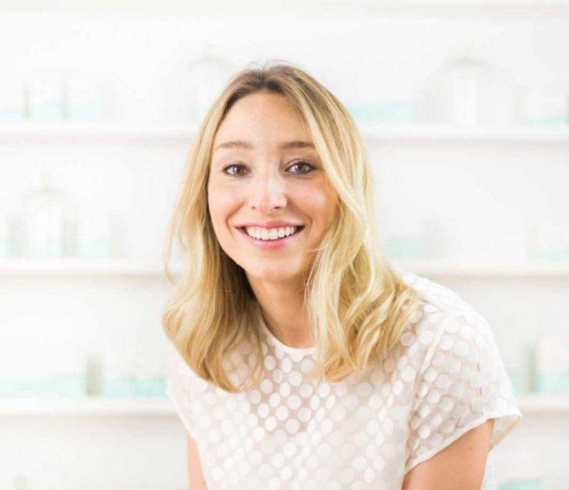 Thường xuyên dùng collagen tươi để da ngày càng mịn màng, tươi trẻ.