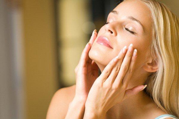 Serum trị nám, chống lão hóa da cao cấp Mesoestetic Ampoules of Vitamin C 20% 100 ống – Tây Ban Nha