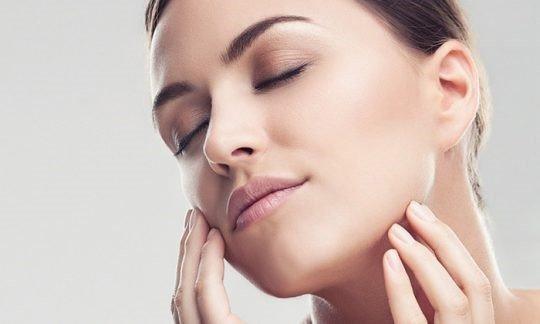 Mặt nạ làm dịu, phục hồi da Mesoestetic Anti-stress Face Mask 500ml – Tây Ban Nha