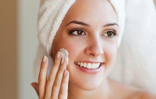 Kem dưỡng làm dịu da tức thì dành cho da nhạy cảm Mesoestetic Fast Skin Repair 500ml – Tây Ban Nha