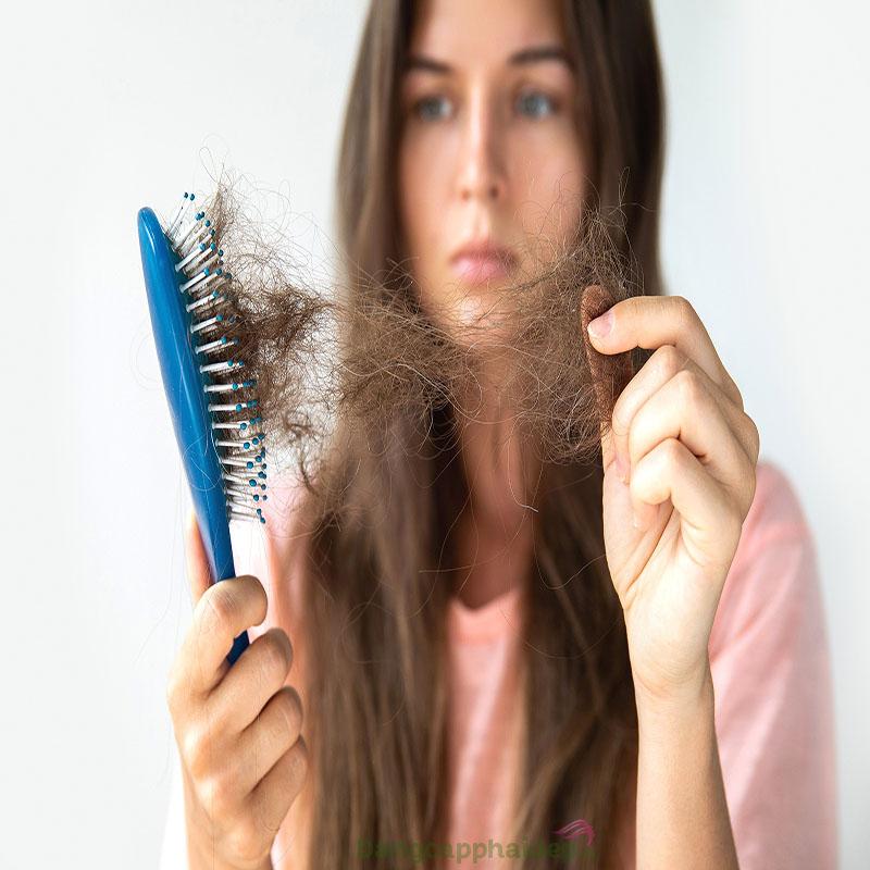 Tóc dễ gãy rụng