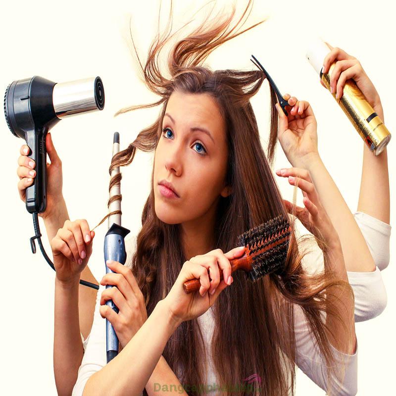 Thói quen tạo nhiều kiểu tóc bằng nhiệt khiến tóc dễ bị hư tổn