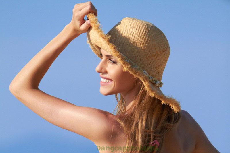 Kem chống nắng cho da nhờn Image 32 - Bất chấp tia UV, làn da vẫn sáng mịn rạng rỡ