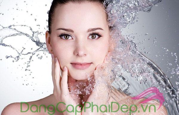 Làm sạch sâu làn da giúp làn da sạch thoáng, ngừa mụn sinh sôi.