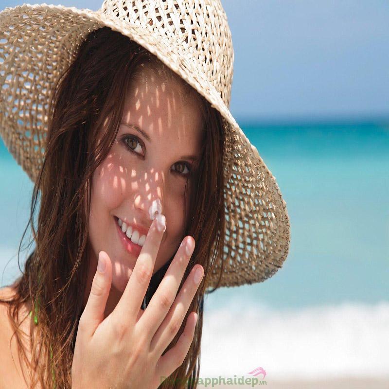 Kem chống nắng giúp làn da hạn chế tình trạng cháy nắng, bắt nắng