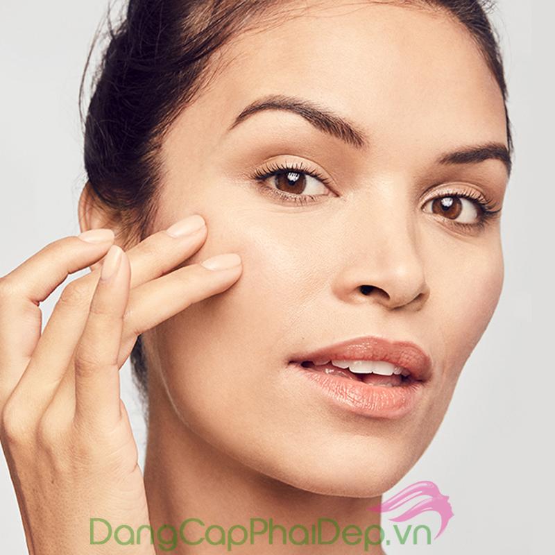 bạn cần có ý thức chăm sóc để phòng tránh việc làn da đang lão hóa từ khi còn sớm.