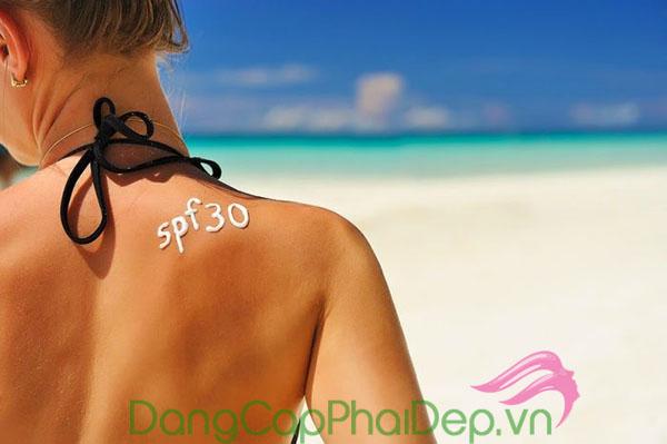 Lưu ý đến chỉ số SPF và PA khi chọn kem chống nắng da cho dầu mụn