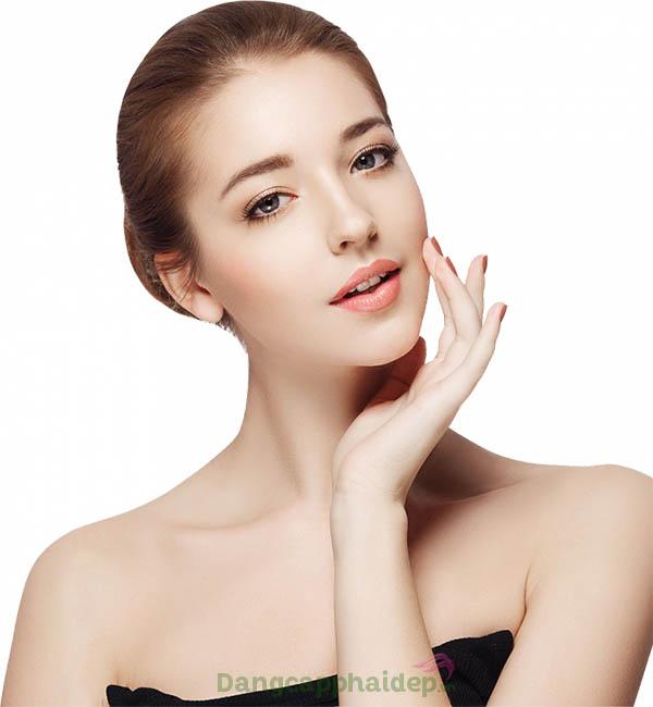 Cảm nhận làn da căng mượt, săn chắc và tươi trẻ hơn chỉ sau thời gian ngắn sử dụng gel chống nhăn Hyaluronic Pearls Tag Nacht Gel