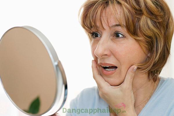 Từ tuổi 35, làn da xuất hiện rõ nét các dấu hiệu lão hóa như nếp nhăn, da chảy xệ...