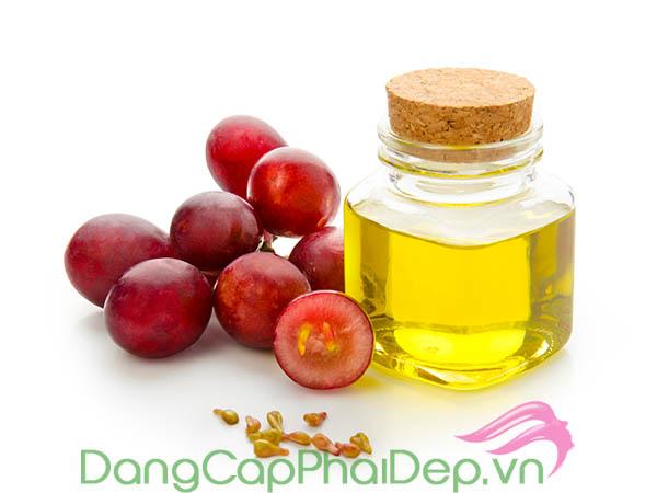 Etre Belle Hyaluronic Day Night Cream chứa nguồn thành phần tự nhiên, an toàn cho làn da