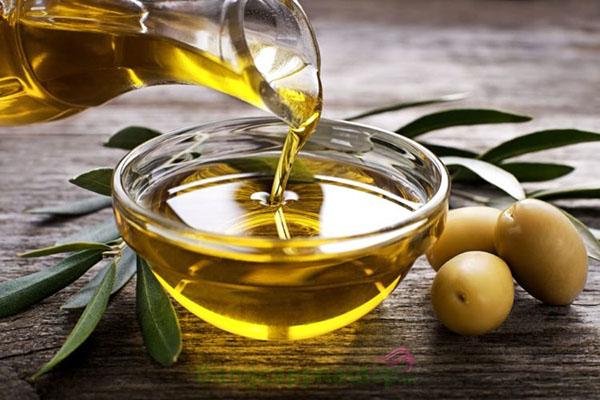 cách làm kem dưỡng ẩm từ dầu oliu