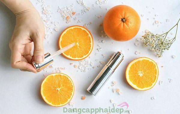 """Vitamin C được ví như """"thần dược"""" làm trắng da hiệu quả."""