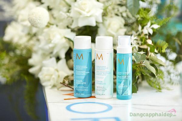 Dầu gội Color Continue Shampoo nằm trong bộ sưu tập Color Complete mới nhất của Moroccanoil.