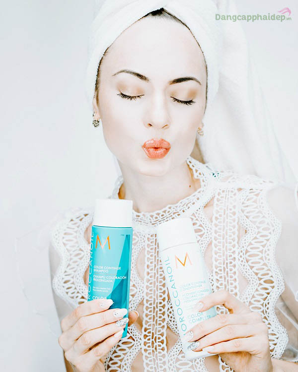Dầu xả Color Continue Conditioner phát huy khả năng chăm sóc tóc nhuộm nhờ ứng dụng công nghệ Colorink độc quyền.