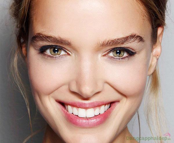 Làn da mềm mượt, căng khỏe tự nhiên và giảm hẳn nhạy cảm nhờ duy trì dùng Être Belle Hydrasilk Day+Night Cream SPF10