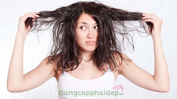 Mái tóc không vào nếp, bị xơ rối sao khi sấy tóc - phải làm sao?