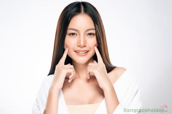 Làn da căng sáng, tươi trẻ bất chấp thời gian chỉ sau thời gian ngăn duy trì dùng Hineko Placenta Super Essence
