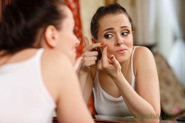 Làn da dễ sinh mụn, viêm nhiễm khi không được làm sạch sâu mỗi ngày