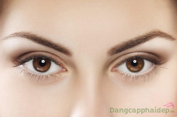 Làn da vùng mắt căng sáng, tươi tắn rạng rỡ chỉ sau thời gian ngắn dùng Skincode Revitalizing Eye Contour Cream