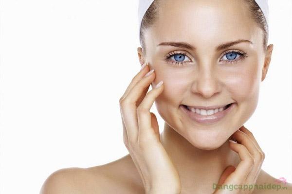 Lỗ chân lông se khít, da mặt sạch thoáng, mịn màng chỉ sau bước đắp mặt nạ Skincode Pore Refining Mask