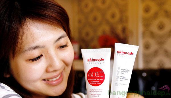 Khách hàng review nhũ tương chống nắng Skincode Sun Protection Face Lotion SPF 50