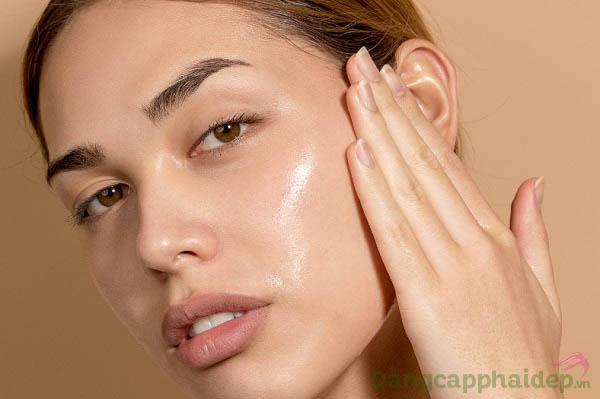 Da mướt mịn, sạch khỏe và trẻ trung mỗi ngày khi thực hiện bước dùng sữa rửa mặt Image MD Restoring Facial Cleanser