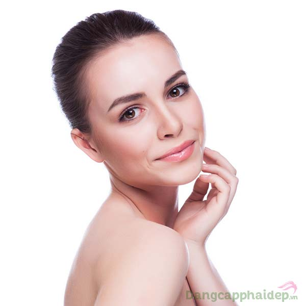 Tự tin với gương mặt láng mịn, tươi tắn khi duy trì sử dụng tinh chất trị mụn Skincode S.O.S Oil Control Balancing Serum