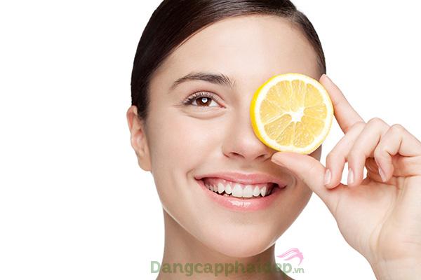 Da căng mượt, trắng sáng đều màu và trẻ trung bất ngờ chỉ sau thời gian ngắn dùng Hineko Vitamin C Super Essence