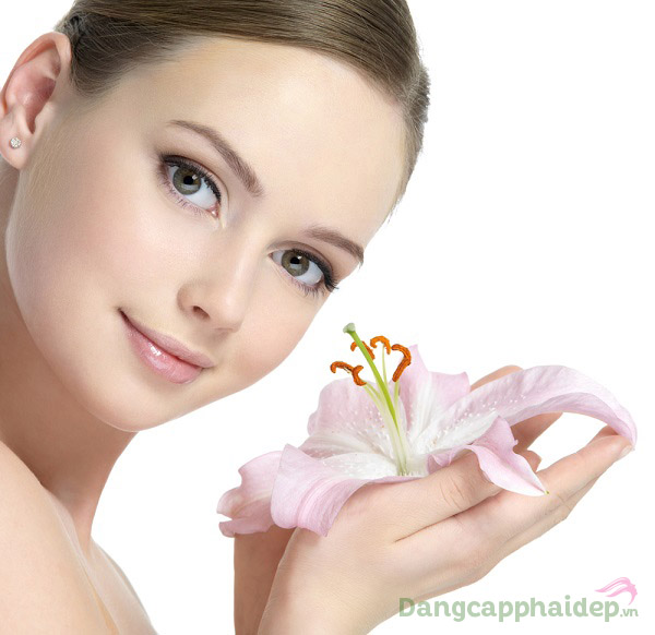 Skincode Cellular Revitalizing Toner vừa làm sạch da vừa giúp dưỡng ẩm, tái tạo và trẻ hóa da hiệu quả