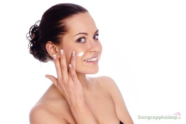 Làn da phái đẹp sẽ được nuôi dưỡng; bảo vệ chuyên sâu ngay cả khi ngủ chỉ từ Vitamin A Night Cream