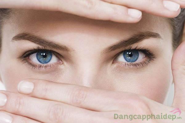 """""""Đánh bay"""" hoàn toàn bọng mỡ, nếp nhăn, quầng thâm mắt chỉ với Swissline Eye Zone Booster"""