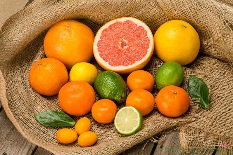 Vitamin C chống oxy hóa mạnh mẽ, giúp ngăn ngừa lão hóa da sớm và dưỡng da trắng sáng từ bên trong