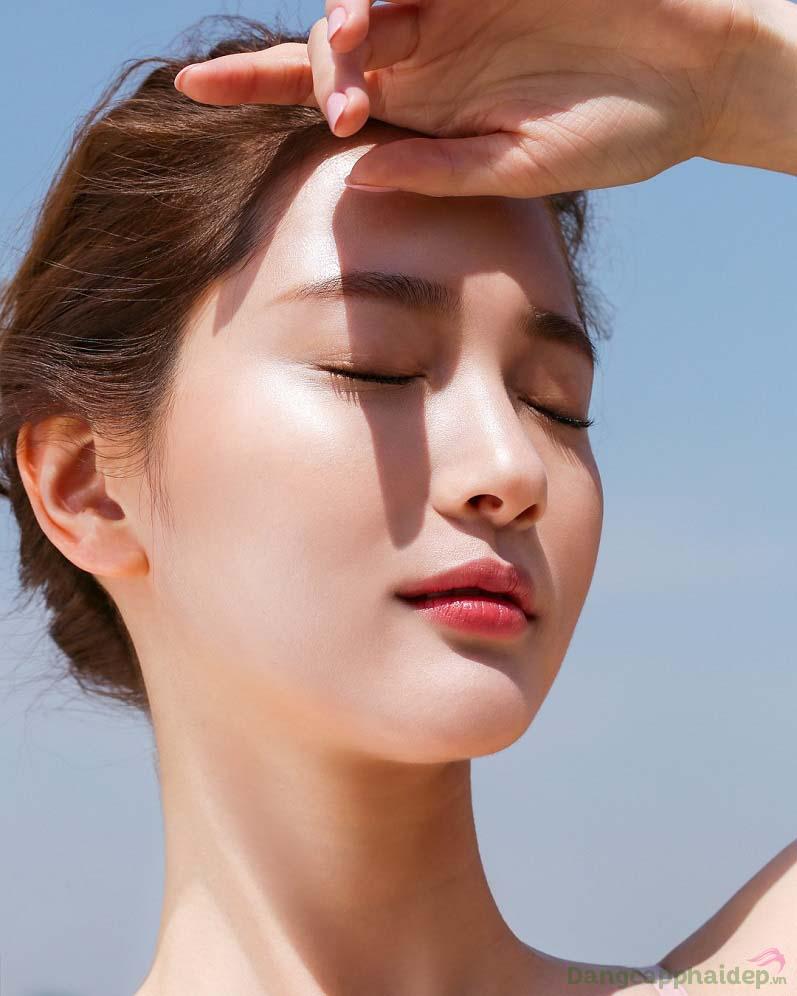 Da trắng sáng không lo bắt nắng khi sử dụng Skincode Brightening Day Cream SPF15